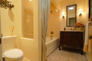 Набор мебели для ванной комнаты   Фото   Купить на WESTWING