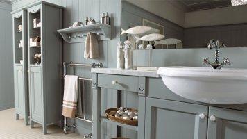Выбираем аксессуары для ванной: виды, материалы, расположение и
